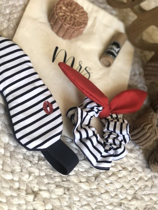 new mom box spa scrunchie shampoo lip stick slepp mask