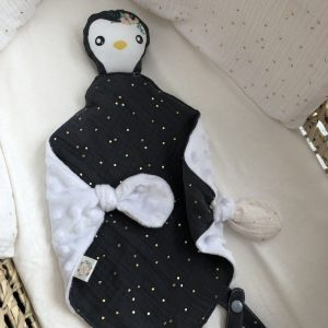 baby comforter toy pinguin cuddles